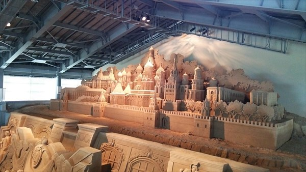 砂の美術館 二階