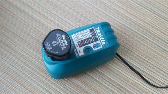 makita 10.8v 充電器