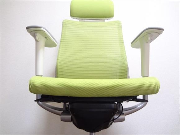 オフィスチェアを変えたら集中力がかなりアップした!デスクワークしてる人はまず椅子に投資するべき。