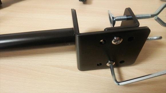 4軸式くねくねモニターアーム クランプ部