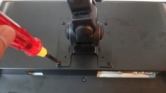 4軸式くねくねモニターアーム 取り付け