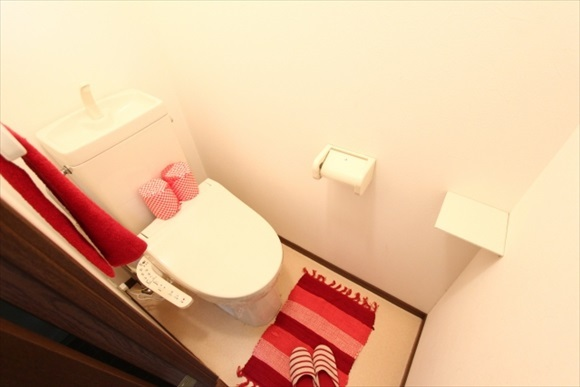 男性諸君!トイレのフタを下げたら女性からモテるぞ!トイレのフタを下げるべき4つの理由
