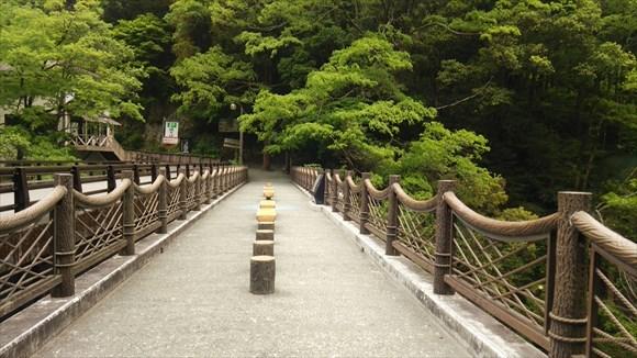 祖谷のかずら橋へ向かう途中の橋