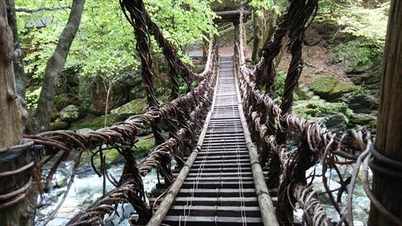 奥祖谷の二重かずら橋 女橋 撮影