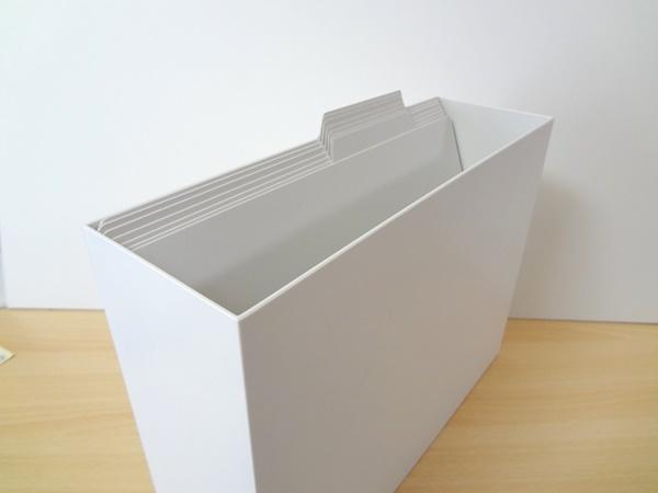 無印のファイルボックスにコクヨの個別フォルダを入れてみた