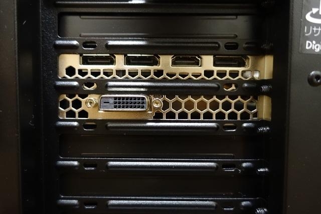 GeForce GTX1070 映像端子 さらに拡大!