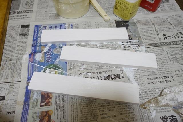 バターミルクペイントのチャイルドロッカーホワイトを塗る!