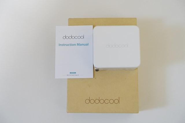 dodocoolの 2ポートQC3.0急速充電器 付属品など