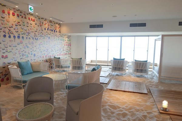 ソラノビーチBooks&Cafe 砂浜
