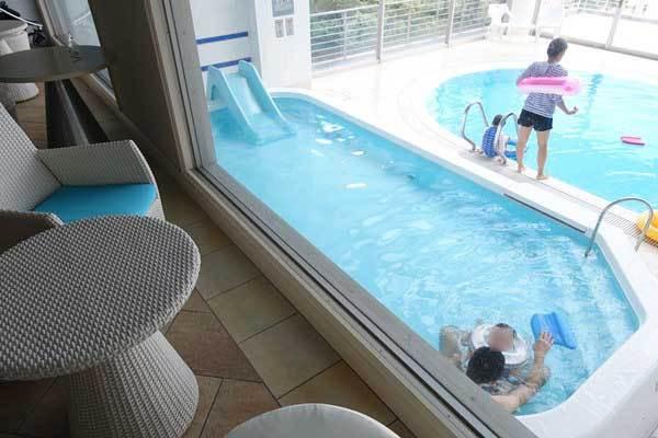 リゾナーレ熱海 小さいプールもあります。