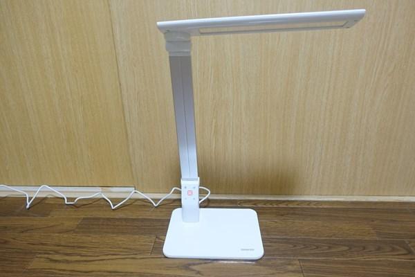 OMAKER LEDデスクライトの写真