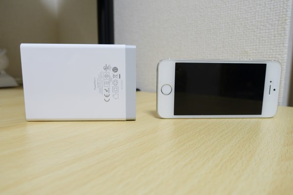 Anker PowerPort 6 iphone5と比較